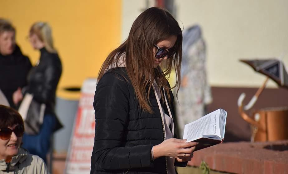 Книжные новинки и автограф-зона. В Гродно прошел книжный фестиваль