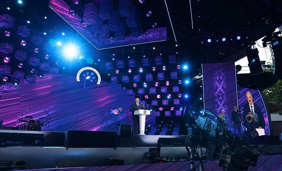 """Тема недели: XXX Международный фестиваль искусств """"Славянский базар в Витебске"""""""