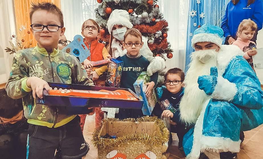 Праздник радости и добрых сердец. Как проходит акция БРСМ «Чудеса на Рождество» в Гродно