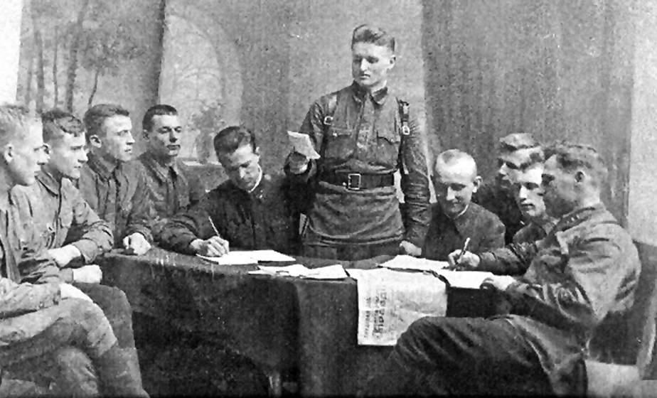 Встречался с Машеровым, прошел войну и хранил 6 орденов. Как реки устроили судьбу Ивана Микуловича