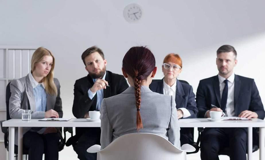 Без яркого парфюма и с самопрезентацией. HR-менеджер — о том, как не завалить собеседование и что отвечать на неудобные вопросы