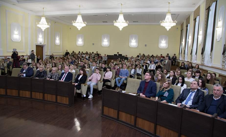 Министр юстиции Беларуси Олег Слижевский встретился с преподавателями и студентами ГрГУ имени Янки Купалы