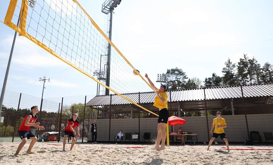 Подача на удачу, или Как на базе отдыха «Привал» разыгрывали Кубок в турнире по пляжному волейболу