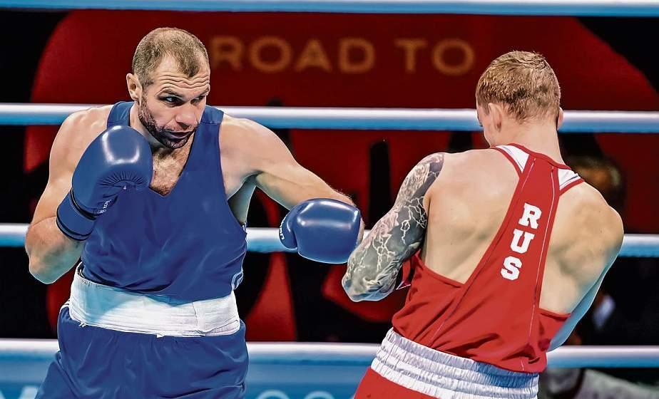 Свой первый бой на олимпийском ринге сегодня проведет белорусский боксер, наш земляк, Виталий Бондаренко