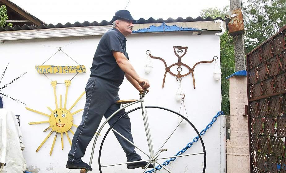В Гродно в автомоторетроклубе «Винтаж» восстановили велосипед XVIII века