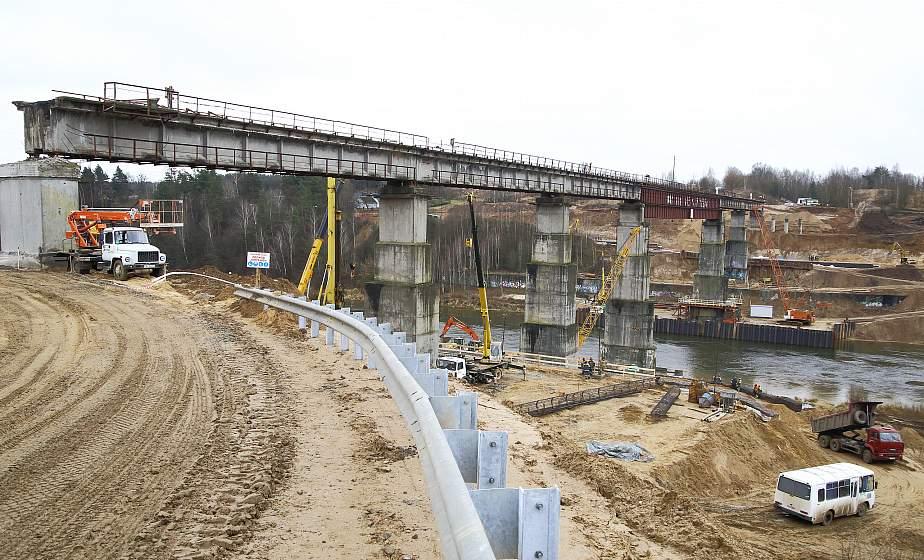 4 километра в работе и клеверная развязка. Что сейчас происходит на реконструкции железнодорожного моста в Гродно?