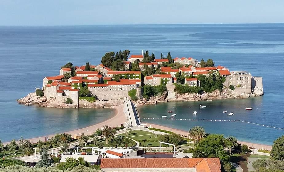 Белорусские туристы смогут вновь попасть в Черногорию. Но ПЦР-тест захватить придется