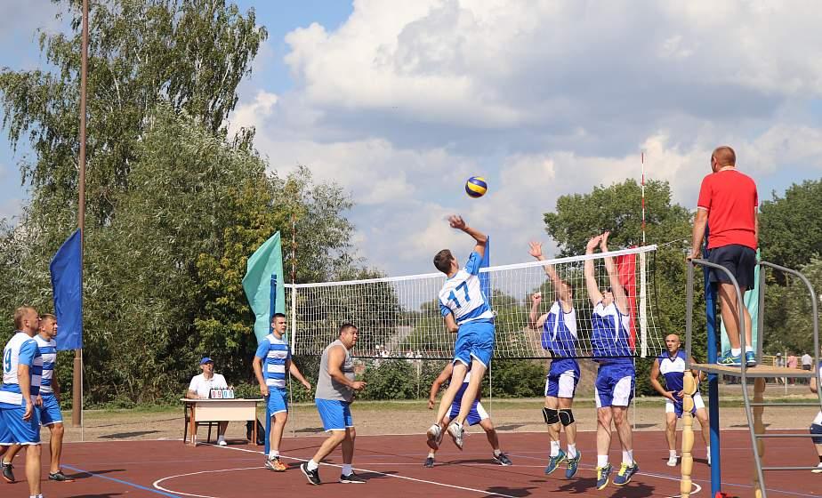 Спортивный характер и мастерство. В Слониме прошел турнир по волейболу