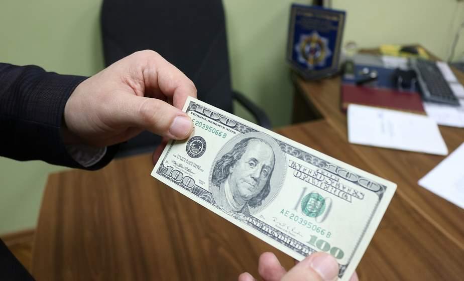 При размене на мелкие купюры или обменивая сувенирные банкноты. Как в Гродненской области находят фальшивые деньги