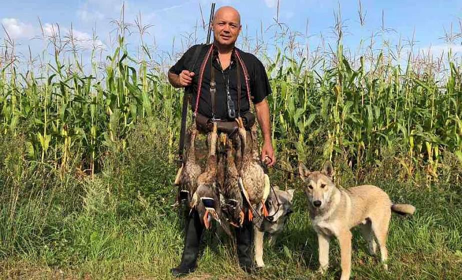 """""""Любая охота интересна, и любая добыча ценна"""". Охотник-блогер из Ошмян рассказал об увлечении, YouTube и любимых собаках"""