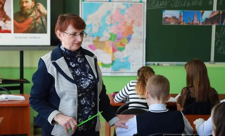 Известные люди Гродненщины поделились воспоминаниями о первом учителе