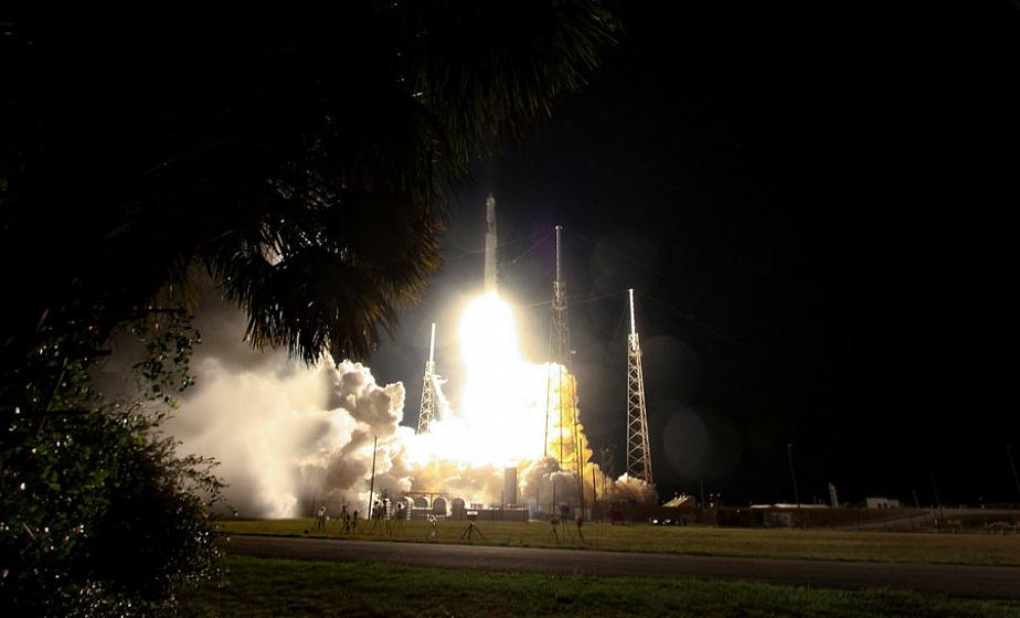 SpaceX успешно запустила в космос 60 спутников для обеспечения интернет-связи