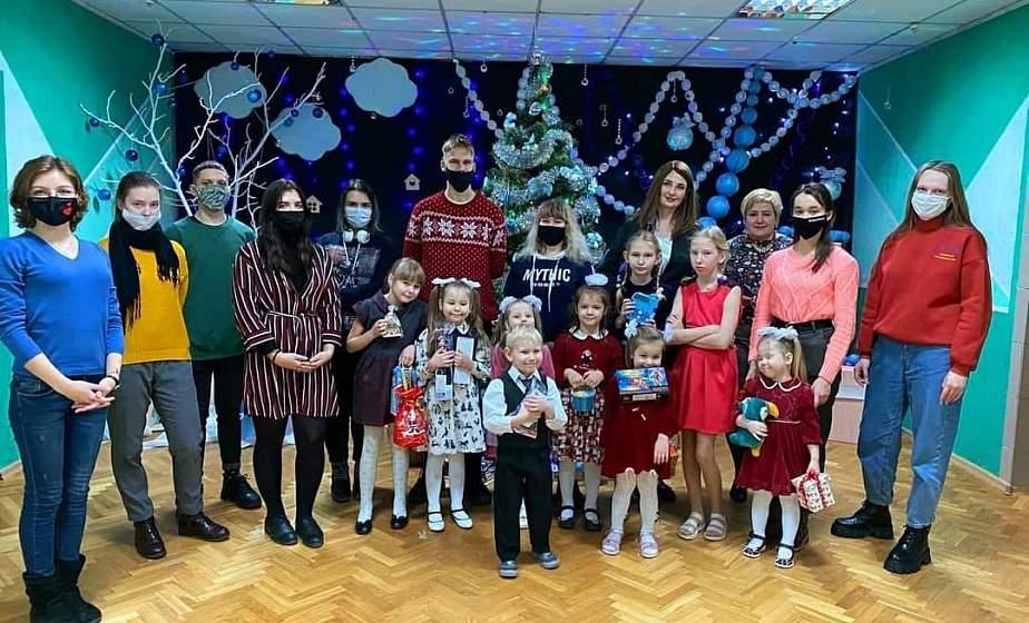 Итоги благотворительной акции «Чудеса на Рождество» в Гродно: поздравления  и подарки получили более 160 детей