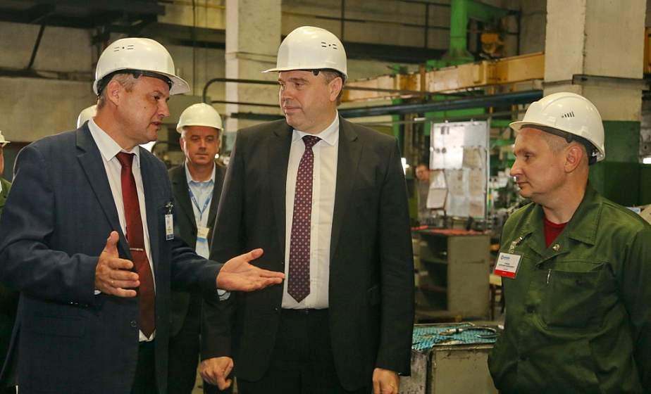 «Наше благосостояние зависит от того, что мы сами заработаем». Председатель облисполкома Владимир Караник посетил ОАО «Белкард»