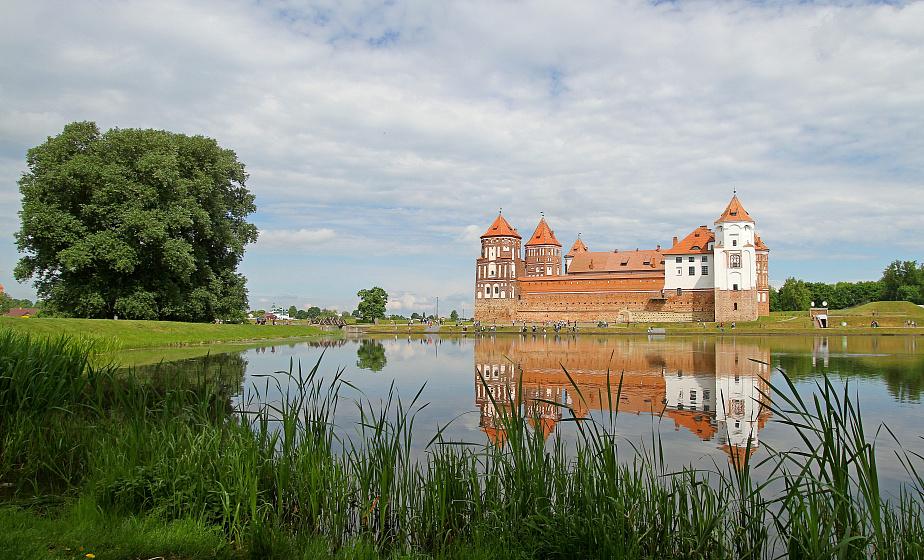 Оркестр Михаила Финберга выступит 1 июня в Мирском замке