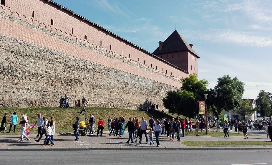 Лидчина гостеприимная: селфи на фоне замка, Lidbeer и байкфестиваль, город стекловаров. Чем регион привлекает туристов