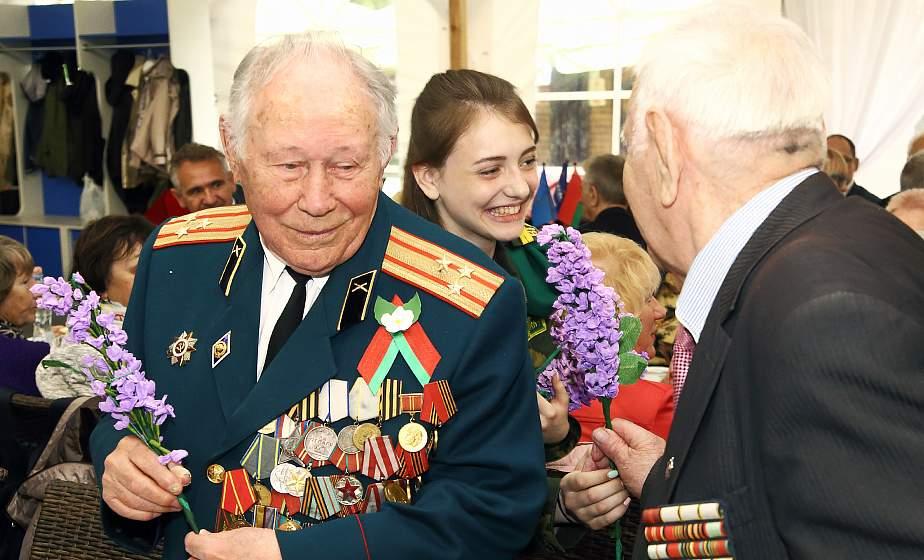 Большой праздничный бал для ветеранов прошел в Гродно