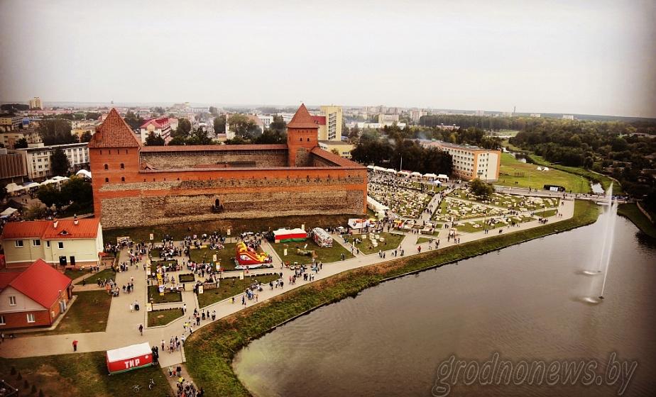 Щучинский, Вороновский и Лидский районы могут стать безвизовыми, а пребывание туристов без виз может увеличиться