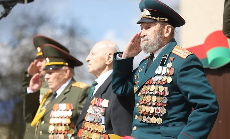 «Защита Родины – всегда было почетным делом». В преддверии 9 Мая в Гродно прошла патриотическая акция «Победа – связь поколений» с участием ветеранов