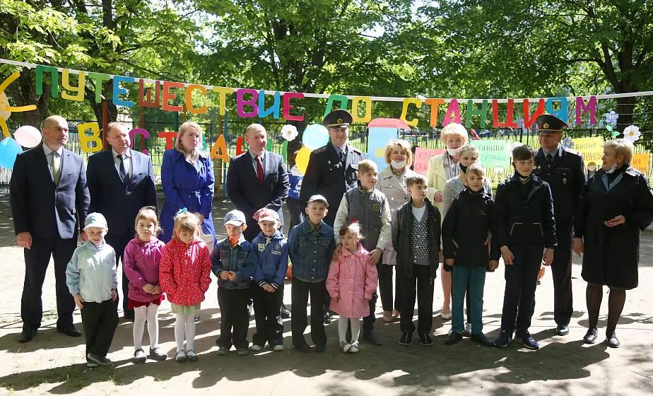 Депутаты парламента посетили детские социальные учреждения