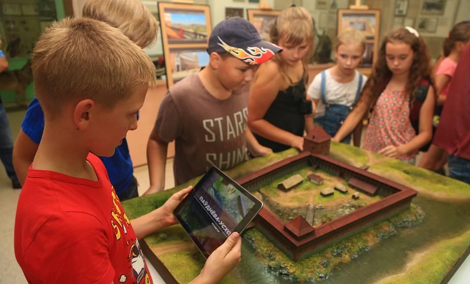 Крэўскі замак праз віртуальныя акуляры. Што ўразіла ў Слонімскім музеі?