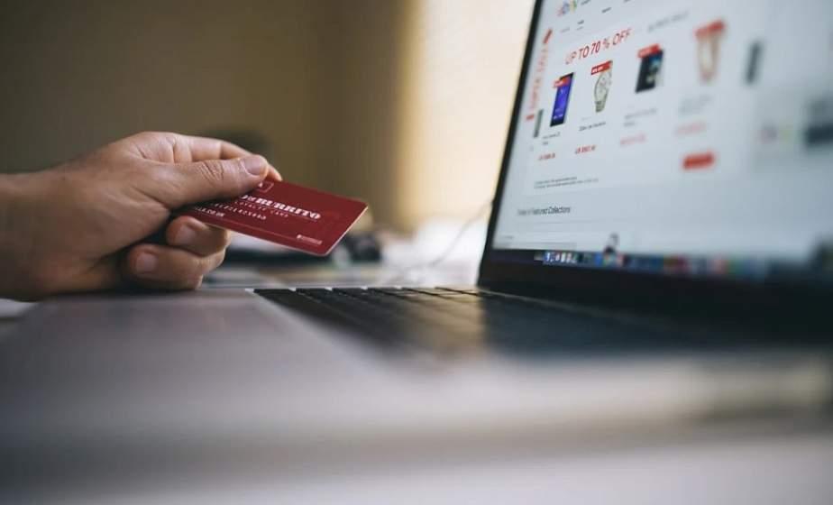 Новая схема обмана граждан: жители Лиды купили вещи в интернете, но их не получили. В чем подвох?