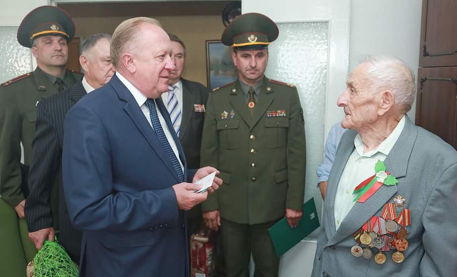 Фронтовые дороги Талгата Ганиева. О них ветеран вспоминал во время вручения юбилейной медали (+видео)