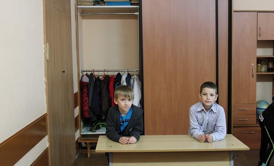 Безопасная дистанция, чистота и кабинет для класса. Какие меры по нераспространению COVID-19 принимают в школах области