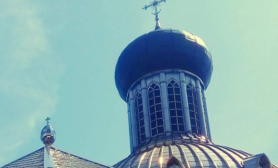 Единственное в Беларуси. На лидском предприятии ЗАО «Каскад» создали пасхальное яйцо, которое установили на крыше храма в Пинске