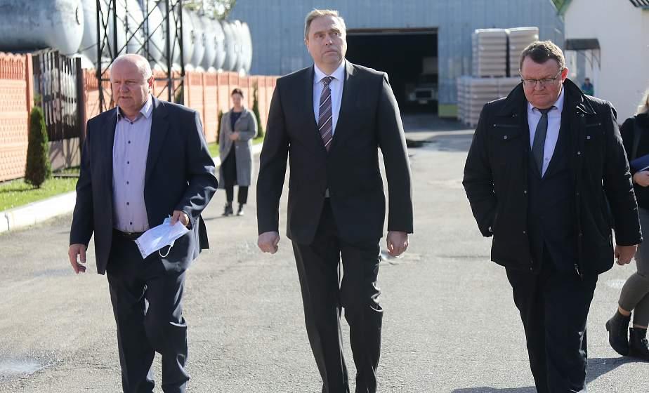 «Промышленные предприятия должны стать драйверами роста». Председатель облисполкома Владимир Караник посетил Дятловский район