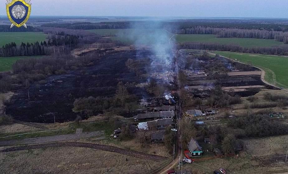 В Щучинском районе из-за пала сухой травы сгорела почти вся деревня
