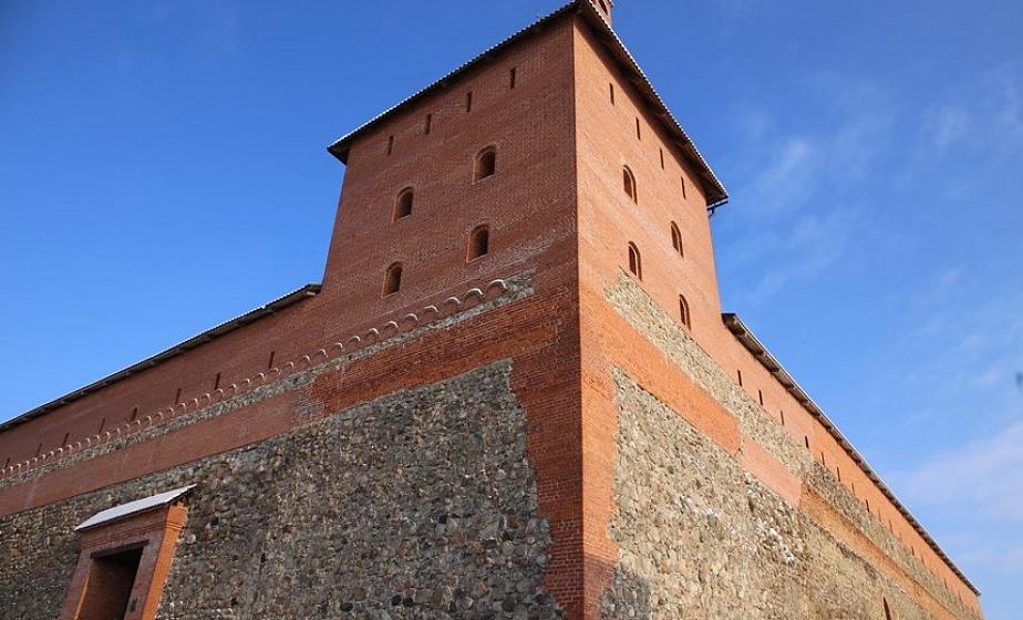 Покои князя, уникальная ладья, панорама окрестностей Лиды. В ближайшее время для посетителей откроет двери юго-западная башня Лидского замка