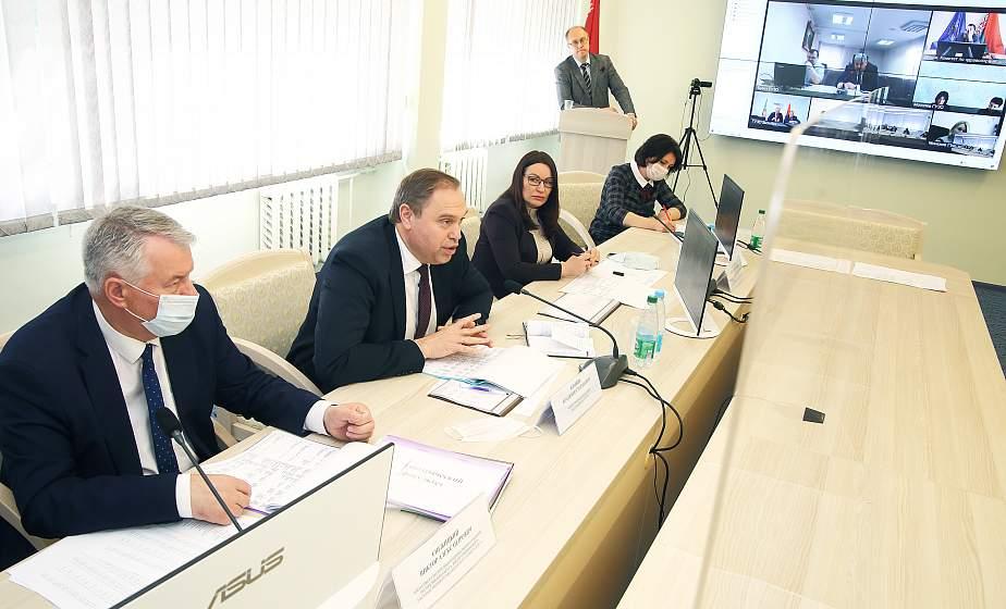 Министр здравоохранения Владимир Караник принял участие в распределении выпускников Гродненского государственного медицинского университета
