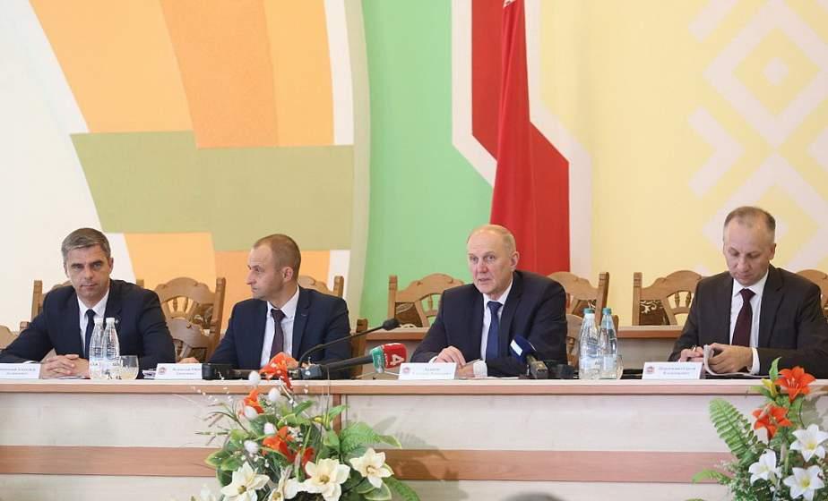 Председатель облисполкома Владимир Кравцов провел пресс-конференцию в Мостах (будет дополнено)