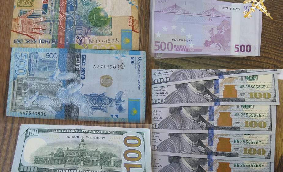 Почти 300 тыс. рублей незаконно пытались перевезти через границу ЕАЭС с начала года