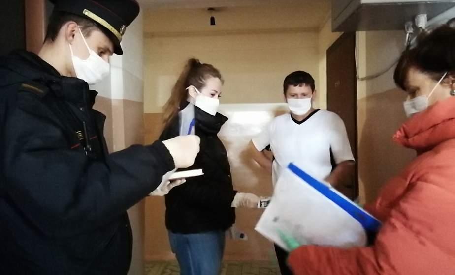 В Гродно медицинские работники совместно с РОВД проверяют, как соблюдают режим самоизоляции прибывшие из-за границы