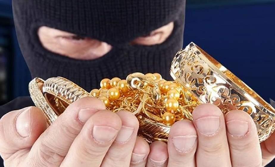 В Лиде воры проникли в квартиру и похитили драгоценные изделия. Сумма ущерба – 3,5 тысячи рублей