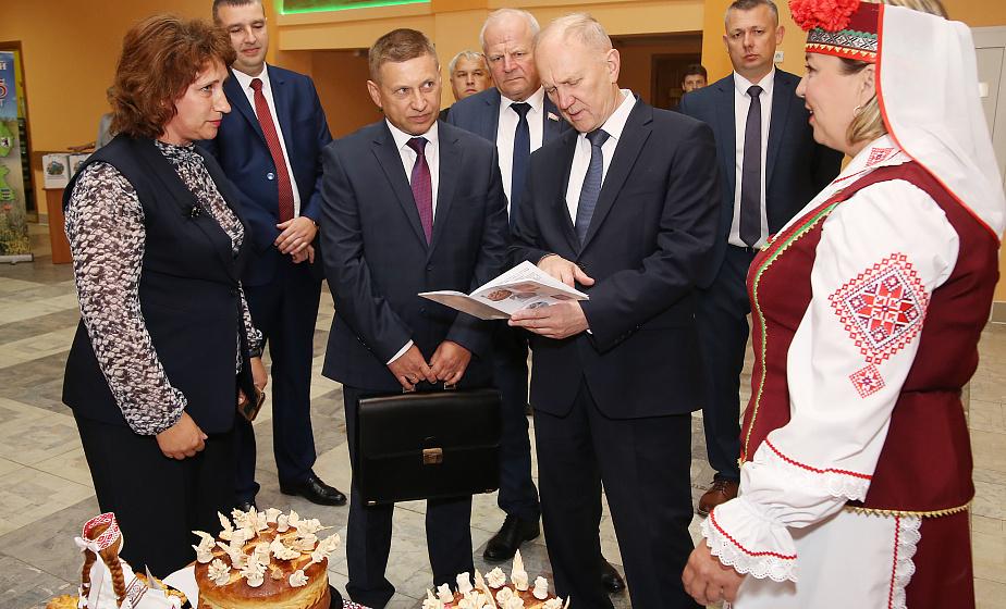 Выездное заседание Гродненского облисполкома прошло в Волковысском районе