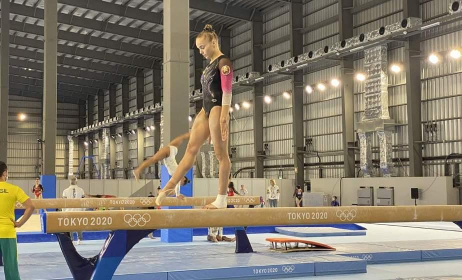 «С задачами справилась. Большие победы – впереди». Тренер рассказала о дебюте гимнастки из Гродно Анны Травковой на Олимпийских играх в Токио