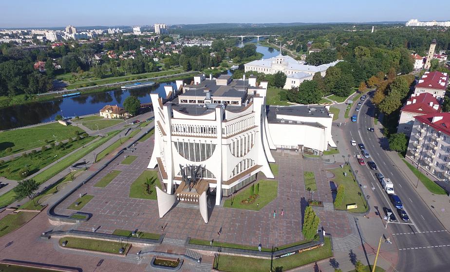 Старый замок, объекты II Европейских игр и новые скверы. На что пошли средства прошлого республиканского субботника и где на Гродненщине будут трудиться в этом году