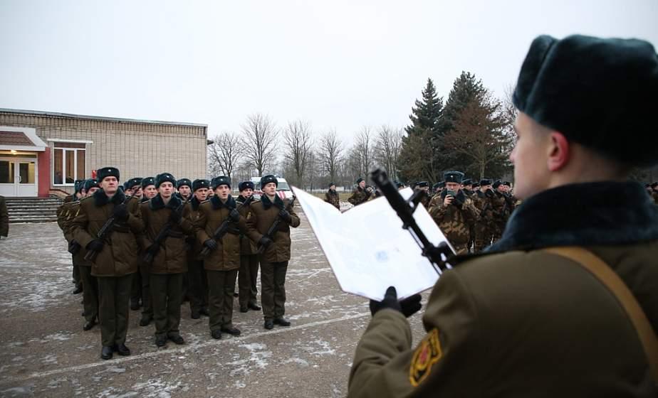 «Служу Республике Беларусь!». В Гродно военнослужащие приняли присягу (+видео)