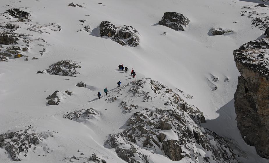 Белорусские альпинисты, которые поднимут пламя II Европейских игр на Монблан, покорили вершину