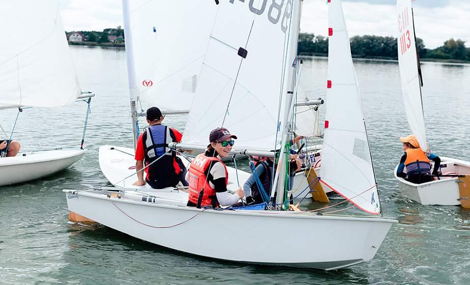 В агрогородке Озеры состоялся чемпионат Гродненской области по парусному спорту