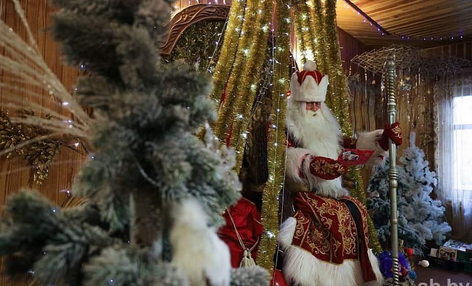 Дед Мороз из Беловежской пущи налаживает общение через Skype