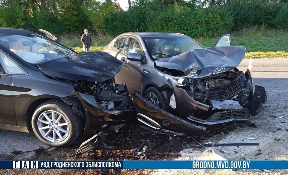 Водителя ослепило солнце. В Гродно в ДТП пострадали 3 человека