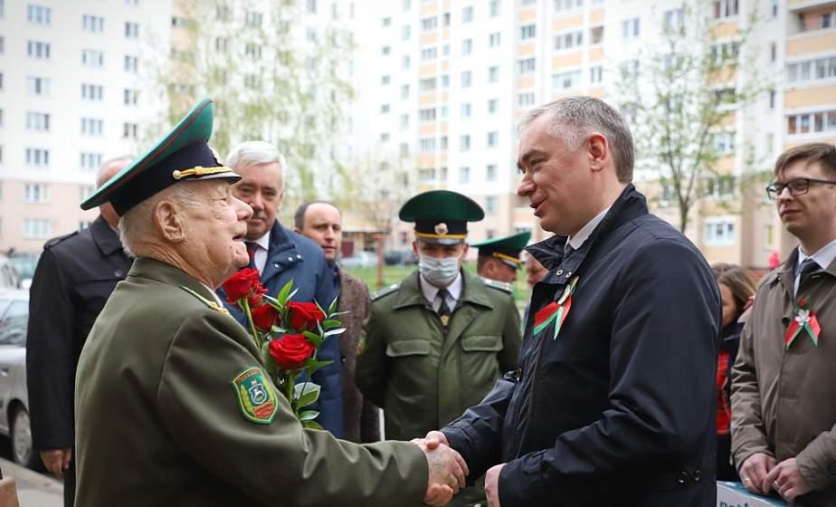 «И сейчас готов встать в строй!» В преддверии Дня Победы поздравления принимал ветеран Великой Отечественной войны Иван Невзоров