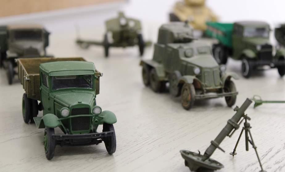 «Техника Победы». Ко Дню Независимости в «Фестивальном» открылась выставка моделей военной техники