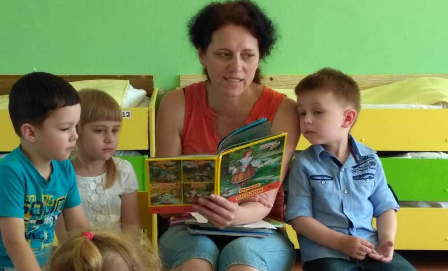 Дети предпочитают чтение историй из книг, а не с планшетов — исследование