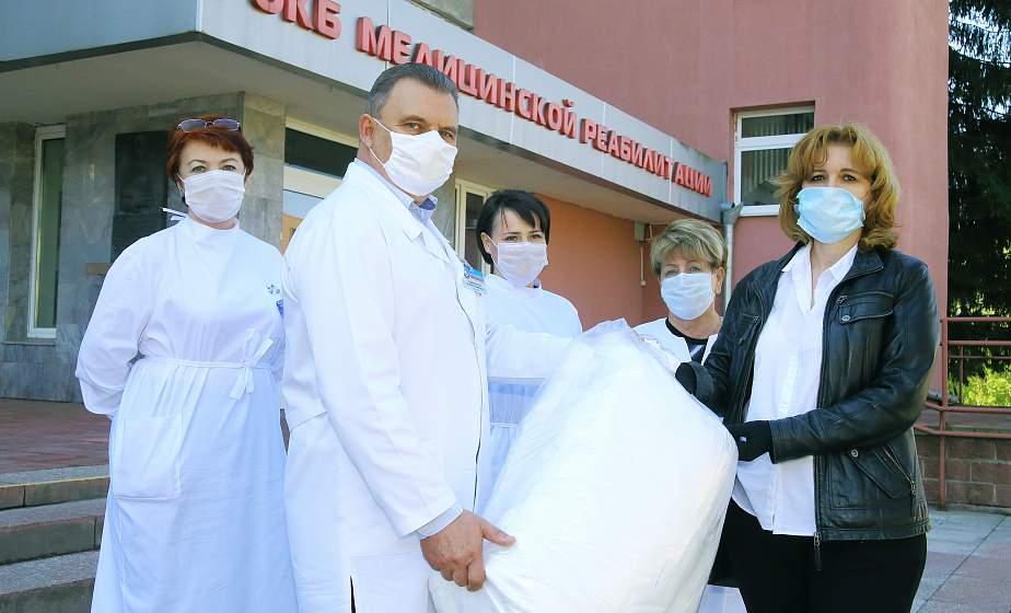 Медикам - от журналистов. Областная организация Белорусского союза журналистов поддержала медицинских работников