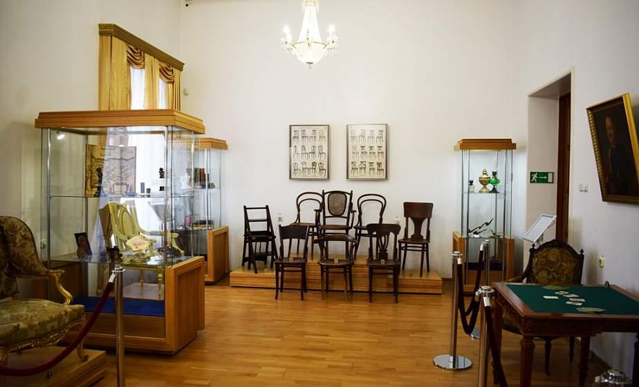 Знаменитые венские стулья и «Сиамские близнецы» Радзивиллов. В музее истории религии в Гродно работает выставка из собраний «Несвижа»